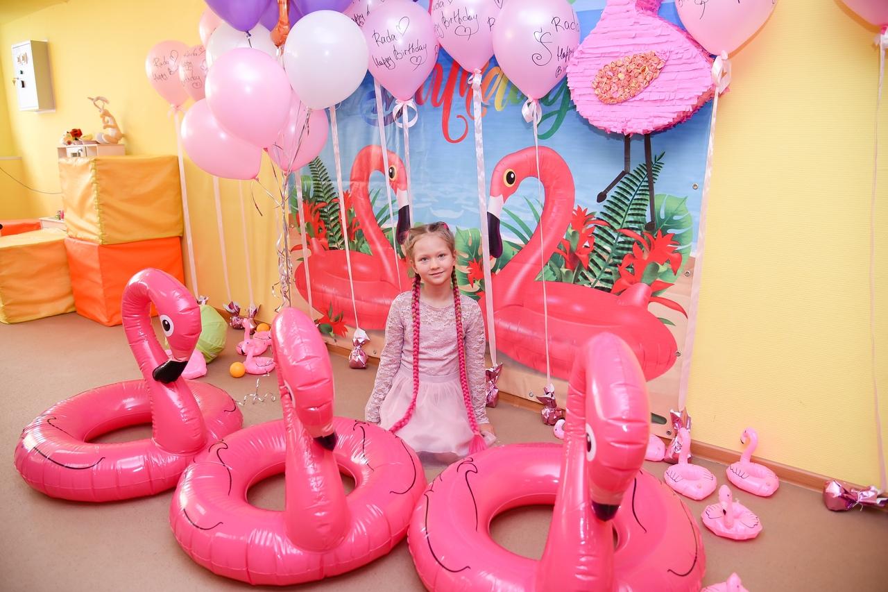 вечеринка в стиле фламинго